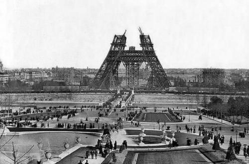Строительство Эйфелевой башни, 1880.
