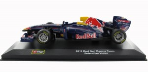 Burago 132 Die-Cast Model ~ Infiniti Red Bull Racing Team RB9 Formula 1 Racing Car ~ Sebastian Vettel