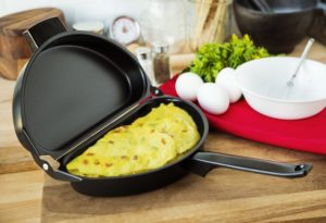 Fox Run Non-Stick Folding Omelet Pan