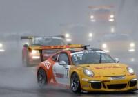 Philipp Eng im Regenrennen von Austin © Porsche AG