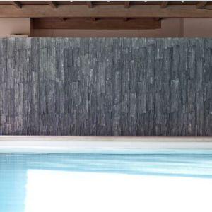 Wandbekleding in steen zoals muretto's, steenstrips en muurstrips kan je ook verticaal plaatsen.