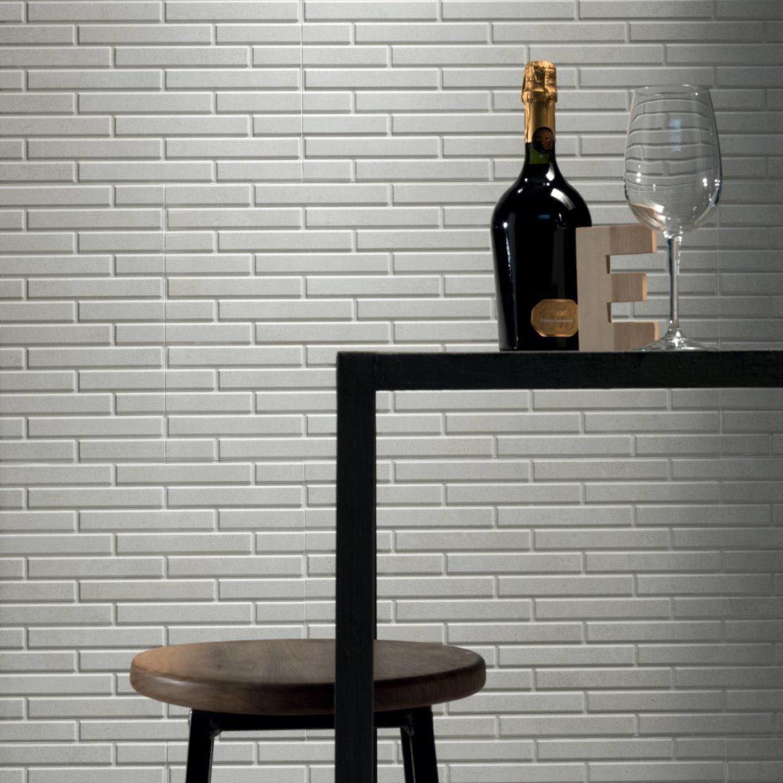 Reliëf tegels voor de badkamer of accentmuur bij Top Tegel 04, Ieper.