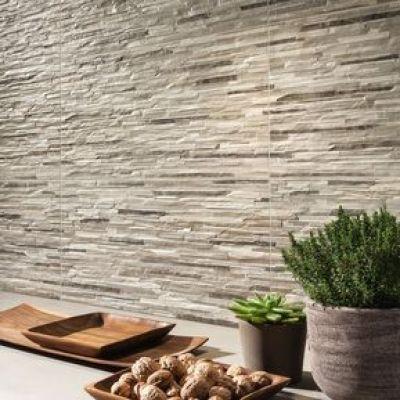 Op het tegel blog van Top Tegel 04 tonen we je deze trend in tegels: keramische steenstrips