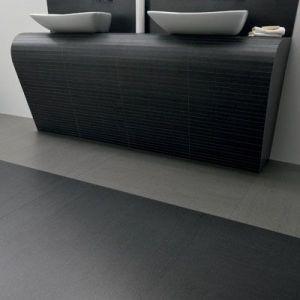 XXL mozaïek tegels die 6mm dun zijn als gebogen wand in de badkamer.