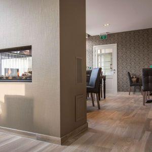 Stephan Reynaert vloerde met rs bouw het gezellig cafe int paradijs in geluveld.