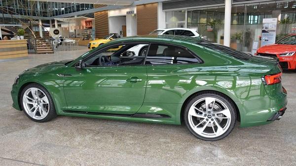 Green Audi RS5