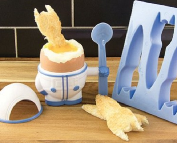 Astronaut Egg Cup and Toast Cutter Set