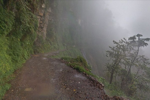 North Yungas Road, Bolivia - 5,000+ Lives Lost