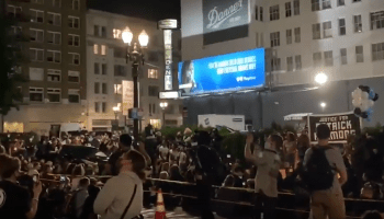 🚨 Mob of Biden Voters / BLM Protesters Surround Portland Hotels, Harass Guests for Ignoring Their Protest 🚨