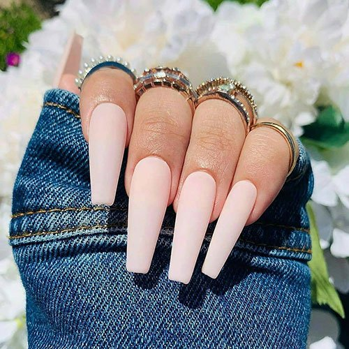 Акриловые ногти в форме гроба