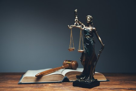 What Content Should Law Firms Be Using In Their Marketing Strategies? - Social Media