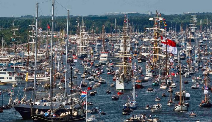 Aanbieding sloop huren Sail Amsterdam