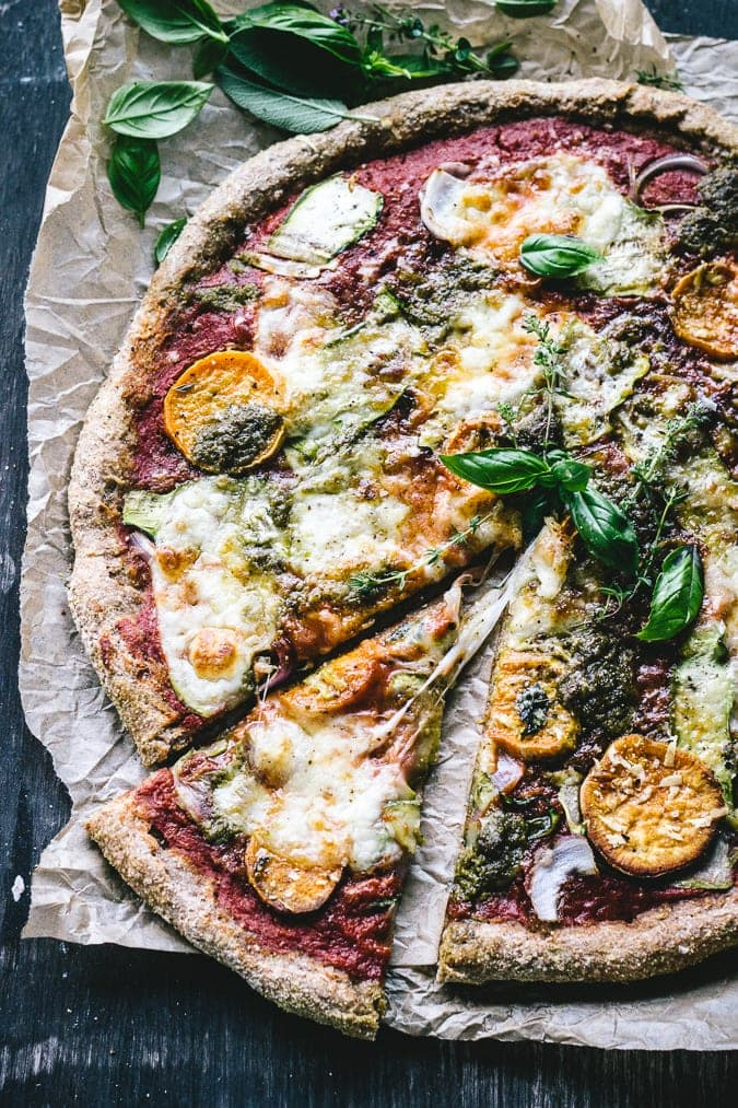 How to make pizza on a Barbecue {+ a No-Knead Sweet Potato, Pesto, Red Onion and Zucchini Ribbon Pizza}
