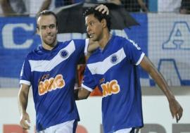 Cruzeiro é o melhor da Libertadores e Vasco brilha na Copa do Brasil