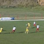 Tupi (de amarelo) definiu o jogo-treino ainda no primeiro tempo