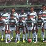 Equipe do Bonsucesso, vice-campeã Infantil da Copa JF de Futebol de Base