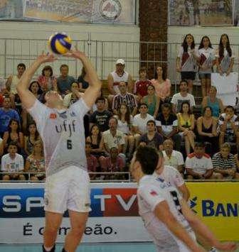 Gelinski atuando pela UFJF. (Foto: ETC Comunicação)