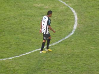 """Surian admite dificuldades, mas confia no grupo """"fechado"""" do Carijó"""