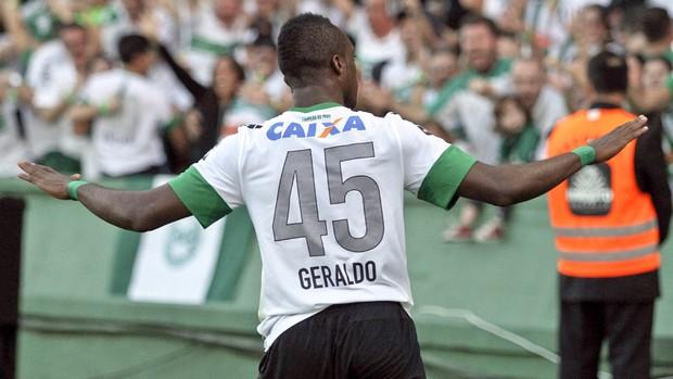 """Acostumado a marcar em """"Atletiba"""", Geraldo definiu clássico de domingo. (Foto: GE.com)"""