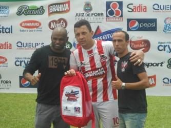 Tô Maluco é campeão com goleada de 4 a 0 na final