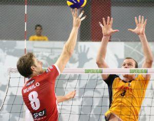 Sesi e São Bernardo fizeram partida equilibrada, com vitória do time da capital paulista por 3 sets a 2