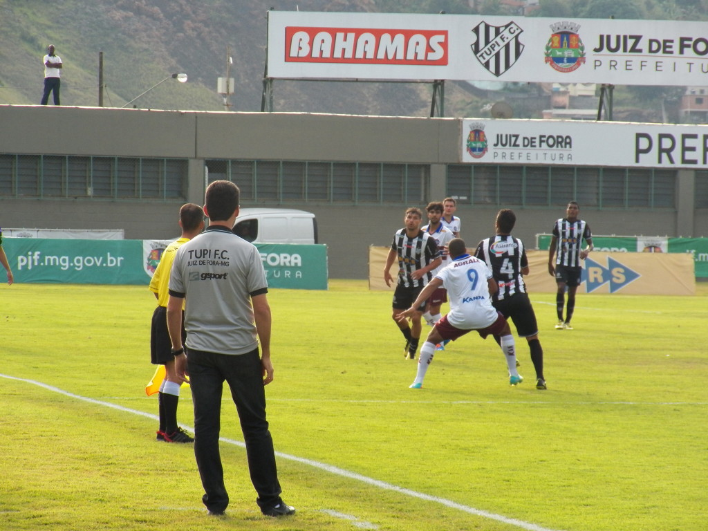 Condé elogiou o comportamento da equipe durante toda a partida contra o Caxias