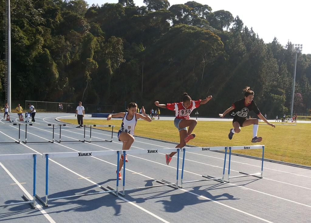 Tanto no feminino, quanto no masculino, o atletismo foi dominado pelo Colégio Militar