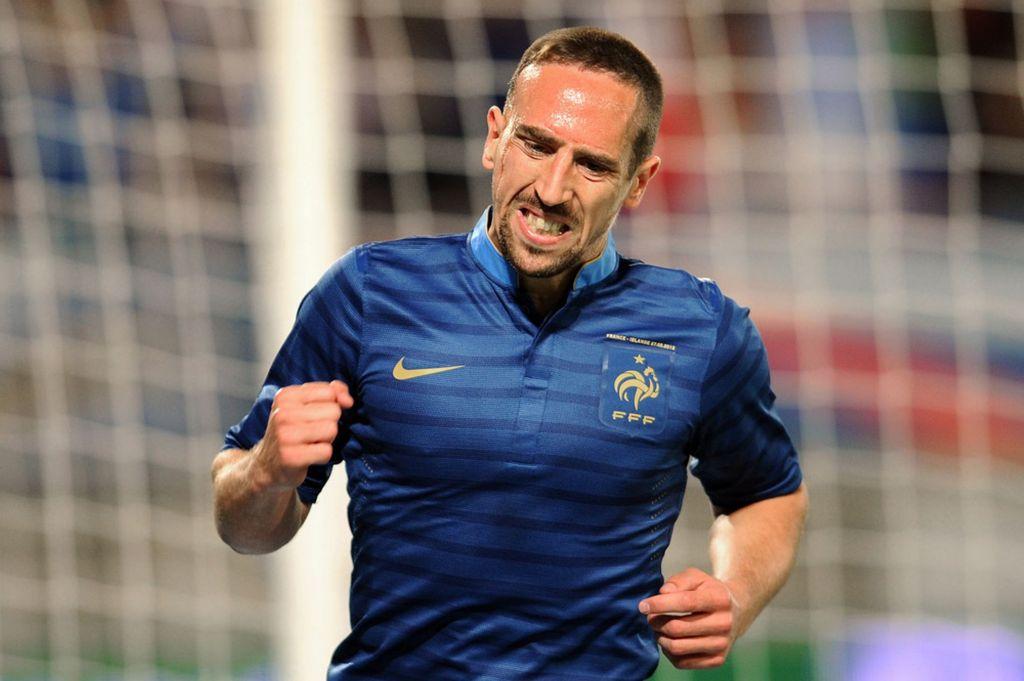 Frank Ribery chegou a tirar foto oficial para a Copa com o elenco francês