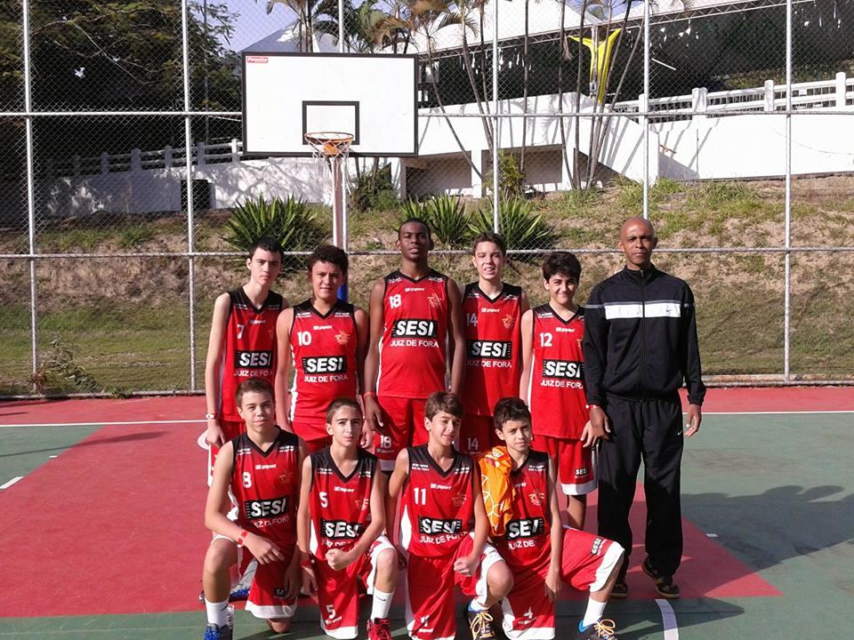Time sub-15 masculino de basquete do Sesi/JF