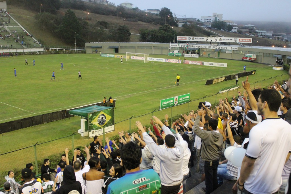 Mesmo com chuva, Mário Helênio recebeu mais de 4mil torcedores