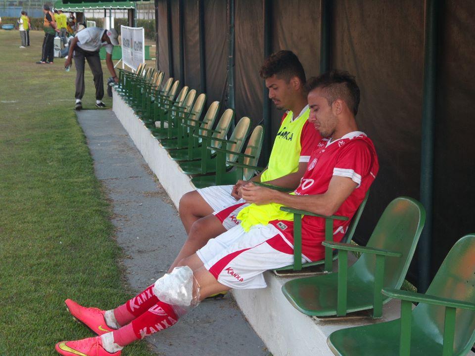 Ex-Tupi, camisa 10 do Mogi Mirim, Vitinho, saiu lesionado de campo