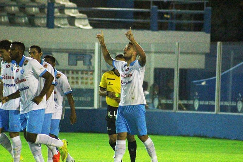 Jogadores comemoram um dos gols do Papão no amistoso