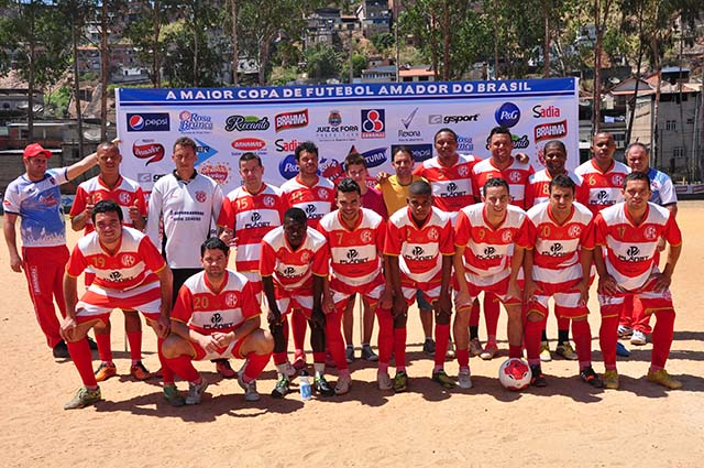 """Universal, o """"vovô do futebol varzeano"""" da cidade, comemorou 90 anos com vitória pela Copa Prefeitura Bahamas de Futebol Amador 2014"""
