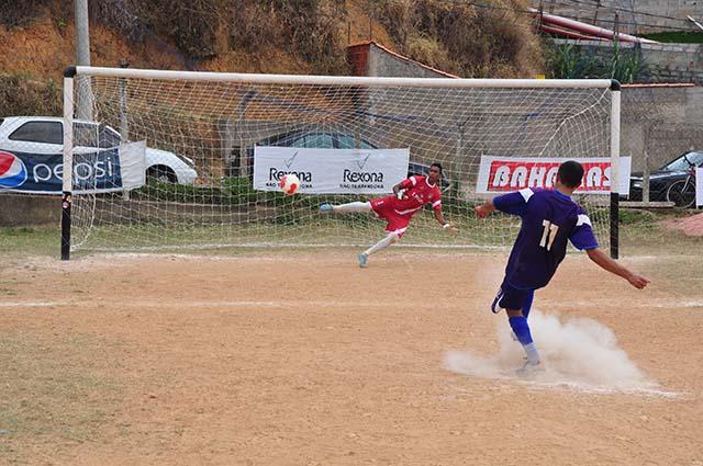 Copa Prefeitura Bahamas de Futebol Amador 2014: competição afunila e proporciona ainda mais emoção