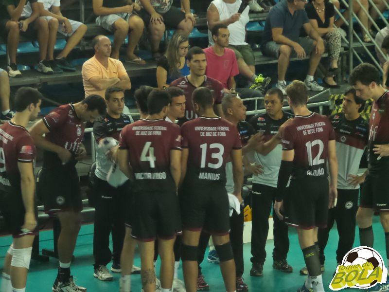 Tempo para a UFJF durante o jogo diante do São José pela Superliga, com transmissão do Toque de Bola
