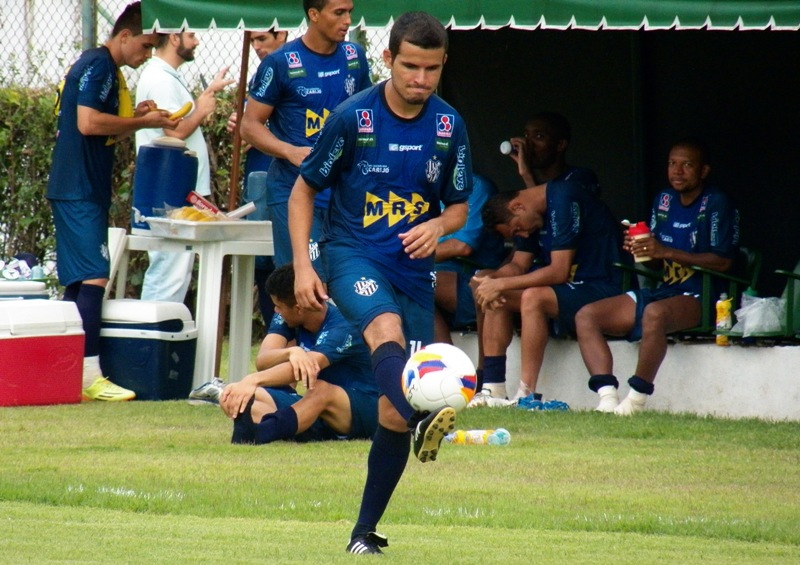 Ex-Treze (PB), lateral Osmar foi destaque no segundo tempo de jogo contra o Tombense