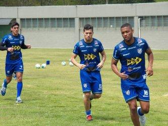 Carijó empata sem gols com Tigres do Brasil. Lateral deixa o clube