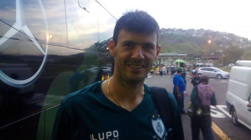 Wesley deixou o Estádio Municipal feliz pela vitória, mas indignado com expulsão