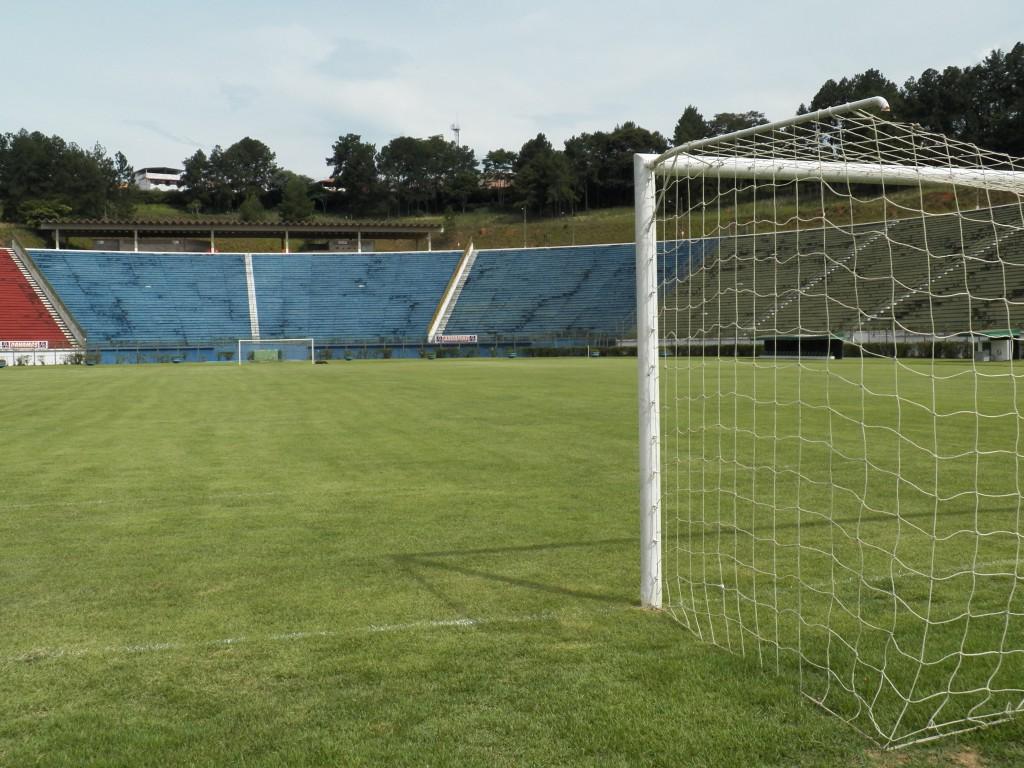 Tupi conquistou apenas 4 pontos dos 12 disputados no Estádio Municipal Radialista Mário Helênio