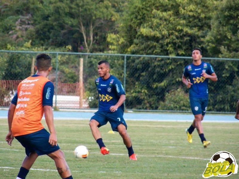 Com efeito suspensivo, volante Bruno Arrabal deverá estar em campo contra o Guarani