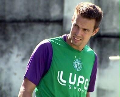 Bruno Ré já atuou como zagueiro, mas atualmente atua pelo setor esquerdo de defesa