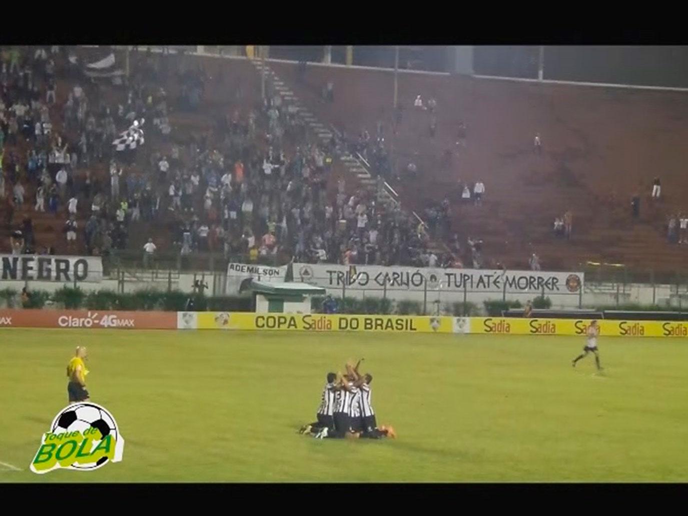 Tupi surpreende, bate Atlético-PR com golaço e vira a página do Mineiro