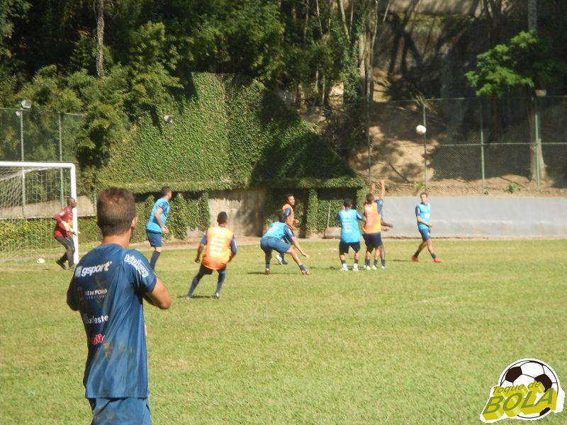 Aprimorando: os quatro gols sofridos pelo Carijó na Série C foram em bolas alçadas na área