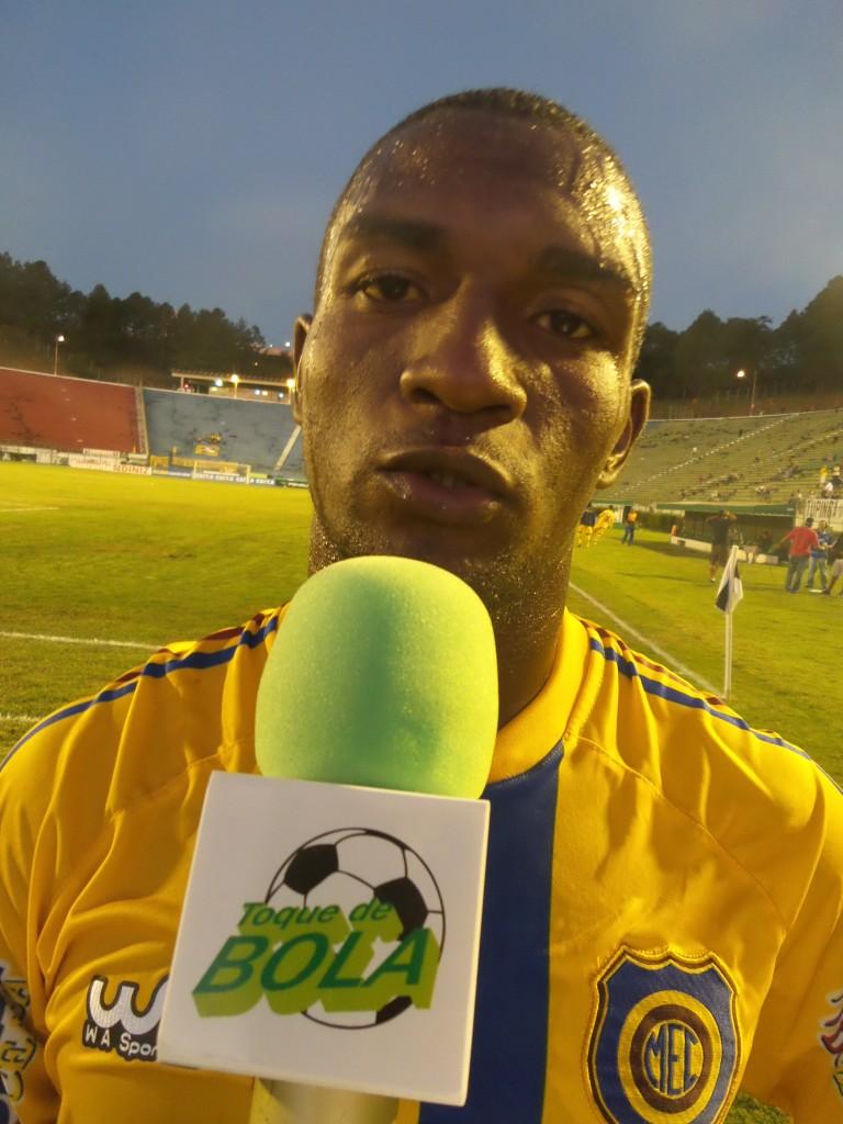 """João Carlos, em entrevista ao Toque no intervalo, lamentou ter perdido o """"gol mais feito"""""""