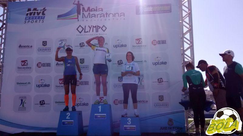 Pódio geral feminino nos 10km: duas atletas não compareceram à premiação
