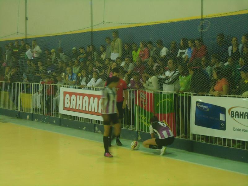 Copa Prefeitura Bahamas de Futsal 2015 registra bom público nas finais femininas, no ginásio do Clube Bom Pastor
