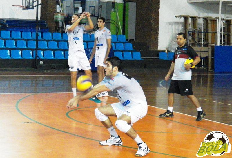 Felipe deve iniciar trabalhos como titular da equipe, com Tarik, de 19 anos, como substituto