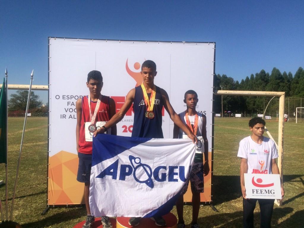João Macedo, ouro nos 100m com barreiras (Foto: Erik Chaves)