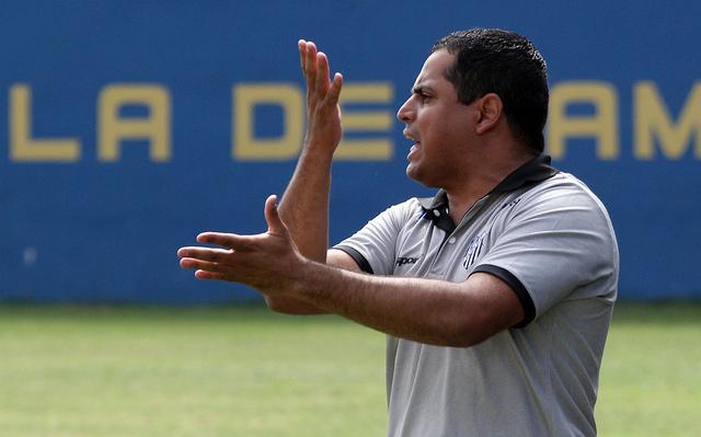 Leston Júnior minimizou os dois pontos perdidos no fim do jogo (Foto: Felipe Couri / tupifc.esp.br)