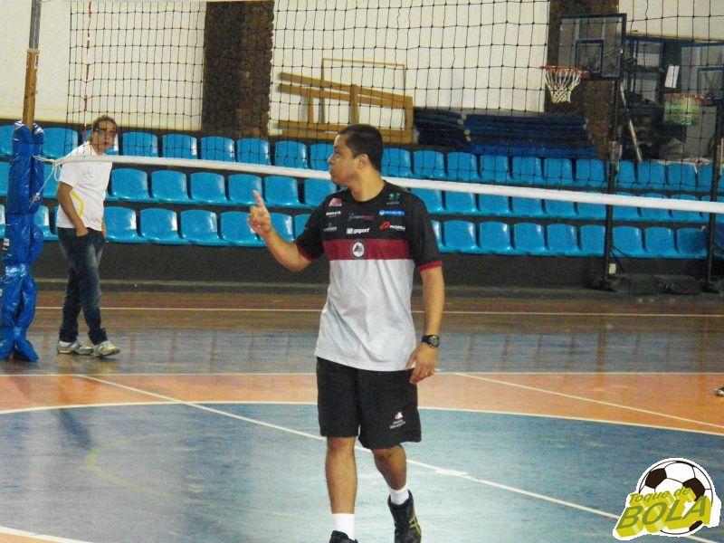Técnico Alessandro Fadul quer vitória, mas prioriza evolução da equipe